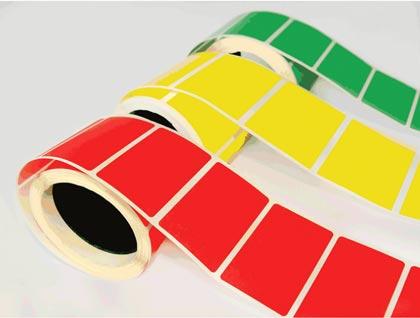 самоклеящиеся цветные этикетки на ленте в рулонах